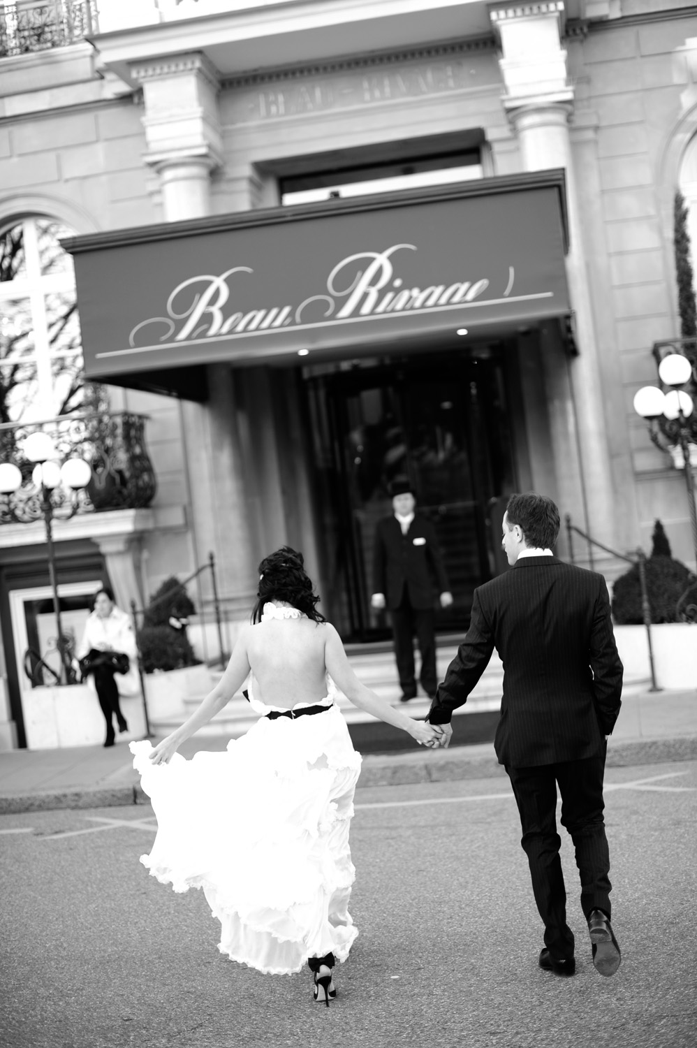 Danielle and Patric's wedding photos taken at the Beau Rivage in Geneva by wedding photographer Switzerland XOANDREA